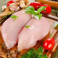 De ce nu ar trebui sa speli carnea de pui cruda