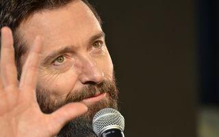 Gestul de omenie al unui star: Hugh Jackman i-a dat 100 de lire unui om fără adăpost și l-a invitat la restaurant