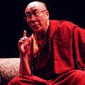 Dalai Lama a identificat 10 vampiri energetici. Află cum îi poți ține la distanță!