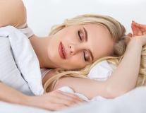 Avantajele și efectele negative pentru fiecare poziție de dormit