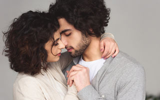 Cum să iubești o femeie care nu știe să se lase iubită