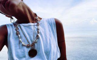 Cum să porți bijuteriile cu scoici, trendul verii 2019
