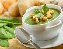 Supe în loc de sucuri: noua variantă pentru a slăbi mai repede