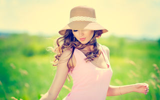 4 soluții naturale pentru a-ți proteja pielea de razele solare