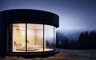 Cabina de lux cu pereți din sticlă, cea mai simplă casă în mijlocul naturii