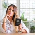7 reguli ca să arăți perfect în pozele pentru buletin sau pașaport