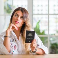 7 reguli ca sa arați perfect in pozele pentru buletin sau pasaport
