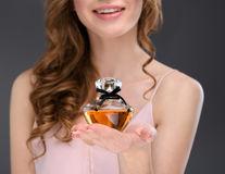 Ar trebui să folosești parfum înainte de un interviu?