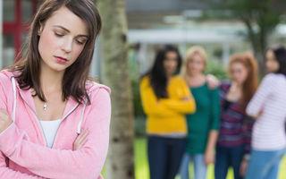 Cum acționează grupurile de narcisiști împotriva victimei alese