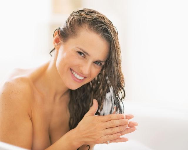 Cum să folosești ouăle ca să ai un păr sănătos și strălucitor. 5 tratamente