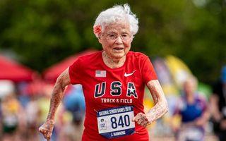 """Cea mai rapidă bunicuță din lume: A început să alerge la 100 de ani, câștigă toate cursele și i se spune """"Uraganul"""""""