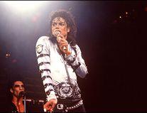 10 ani de la moartea lui Michael Jackson: 10 imagini simbolice din viața unui megastar