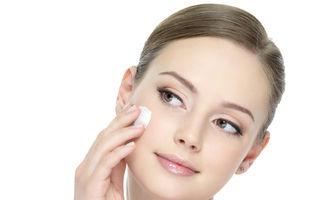 Produsul pe care dermatologii și-ar dori ca toată lumea să-l folosească