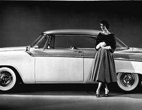 Prima mașină creată de bărbați special pentru femei: Cum arăta La Femme, un Dodge feminin din anii '60