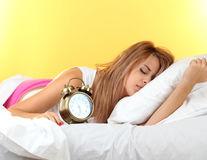 Ai nevoie de mai mult de 8 ore de somn? Află ce spune acest lucru despre sănătatea ta