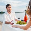 Cum să o ceri de soţie, în funcţie de zodia ei