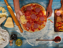 Cum am gătit prima mea pizza de la zero şi ce a ieşit
