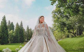 Fiul designerului Elie Saab s-a căsătorit. Rochiile spectaculoase purtate de nora sa în ziua nunții