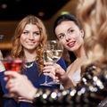 6 semne că ai putea exagera cu băuturile fără să-ți dai seama