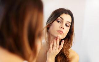 Greșeala din fiecare seară care cauzează acneea și alte noutăți legate de îngrijirea tenului
