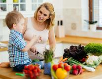 5 legume care pot deveni preferatele copilului tău dacă știi cum să le prepari