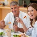 Cum trebuie să-ți schimbi meniul după 50 de ani?