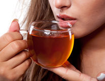 Ce se întâmplă în corpul tău când renunți la cafea și începi să bei ceai