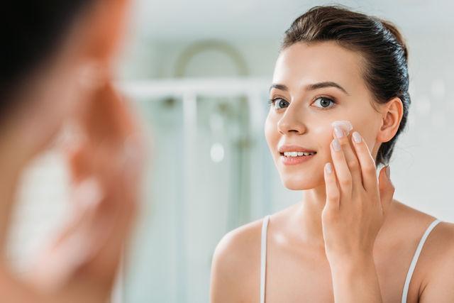 Cele mai bune ingrediente cosmetice care previn apariția ridurilor