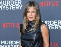 """Jennifer Aniston, singură și fără copii la 50 de ani. Vedeta are doar o grijă: """"N-o să vă mint, nu vreau să am părul cărunt"""""""