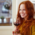 Cum obții un roșcat irezistibil cu vin roșu?