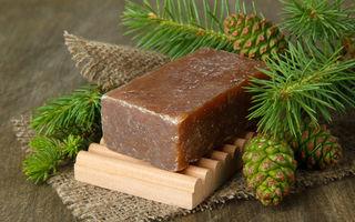 Săpunul negru african vindecă acneea, este un șampon natural și reduce ridurile