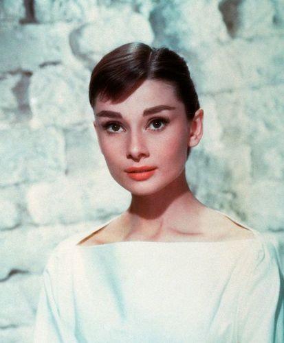 Cine a fost cea mai frumoasă femeie din lume în anul în ...