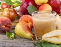 5 smoothie-uri naturale care tratează constipația
