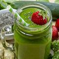 10 ingrediente pe care să le adaugi la un smoothie pentru a slăbi mai repede