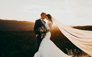 Dragostea învinge întotdeauna: Tânăra care s-a logodit cu soțul ei după ce o lovitură la cap i-a șters toate amintirile