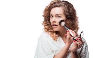 Alergia la machiajul mineral: ingrediente problematice, roșeață și acnee