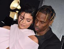 Dragoste cu pauză: Kylie Jenner s-a despărțit de Travis Scott
