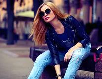 Cum să cumperi blugii perfecți. 4 reguli dezvăluite de specialiști