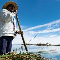 Titicaca, marea incasilor: Lumea simpla a urmasilor amerindienilor, vazuta de o fotografa din Romania