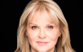 Dr. Mary Aiken, expert mondial în cyberpsihologie, sosește la București la invitația English Kids Academy și a Editurii NICULESCU
