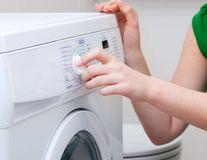 De ce este greșit să speli hainele la 40 de grade