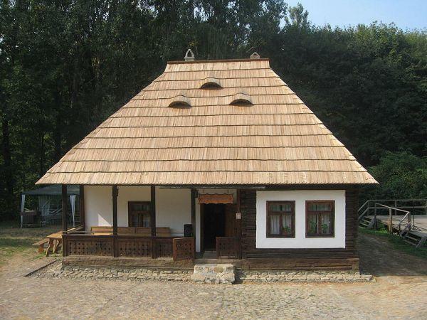 O casa exact ca a bunicilor, dar nou-nouta. Pret final: 10.000 de euro