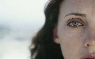 Studiu: Plânsul te ajută să slăbeşti