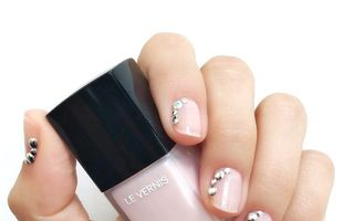 Manichiuri elegante pentru mirese. 30 de modele de nail art