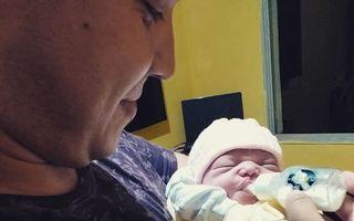 Tatăl i-a vorbit fiicei sale când ea era în pântecele mamei: Reacția fetiței când i-a auzit vocea după naștere - FOTO