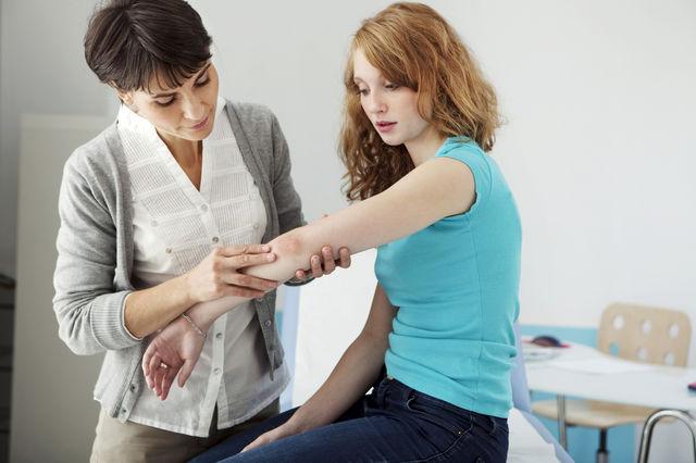 Incidența psoriazisului în România, peste media europeană. Aproximativ 5% dintre români suferă de psoriazis