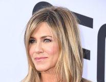7 motive pentru care Jennifer Aniston are o piele perfectă la 50 de ani