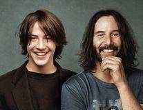 30 de vedete dublate de versiunile lor din tinerețe: Au dat timpul înapoi!