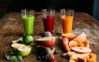 Mâncăm sau bem fructele? Află ce variantă este mai utilă pentru sănătate și siluetă