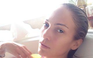 Jennifer Lopez arată perfect și fără machiaj. 10 imagini care o demonstrează